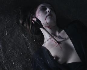 Marta Flich, Almudena Leon, Alina Nastase – Vampyres (2015)