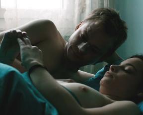 Jasna Fritzi Bauer nude - Goliath (2017)