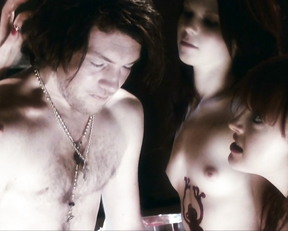 Kate Bell, Chloe Armstrong, Miranda Nation – Macbeth (2006)