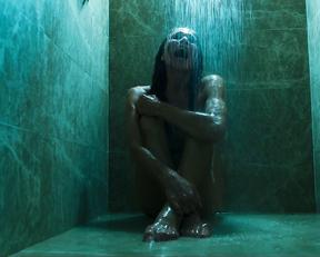 Roxane Duran, Julia Stiles, Lena Olin - Riviera s02e01e04e05 (2019)