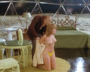 Valerie Perrine naked - Slaughterhouse-Five (1972)