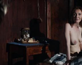 Violet Ryder, Sofia Vergara - Bent (2018)