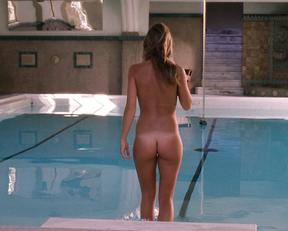 Beau Garrett nude – Entourage s01e05 (2004)