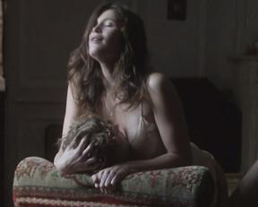 Gemma Arterton - Gemma Bovery (2014, slow-mo)