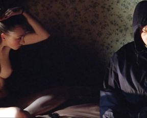 Lara Belmont - The War Zone (1999)