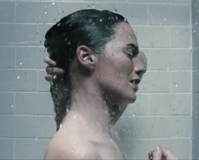 Lena Headey, Michelle Duncan - The Broken (2008)