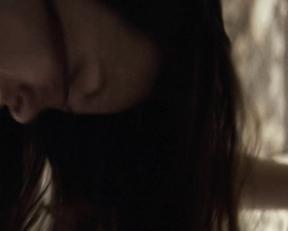 Olivia Wilde - Meadowland  (2015)