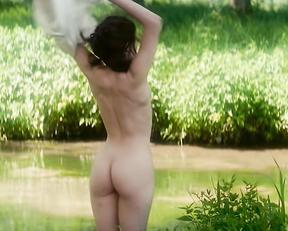 Marie Gillain - Le Bossu  (1997)