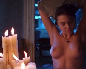 Angelina Jolie, Hedy Burress, Jenny Shimizu - Foxfire (1996)