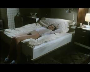 Sonja Jeannine - Schoolgirl Report Part 5 - Film nackt