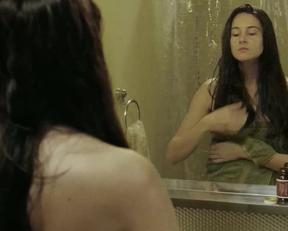 Shailene Woodley - White Bird In A Blizzard Compilation - Film nackt