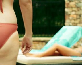 Vanessa Marano  Giorgia Whigham In Saving Zoe - Film nackt