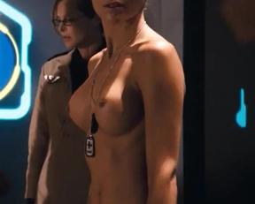 Tanya Van Graan In Starship Troopers 3 Marauder - Film nackt