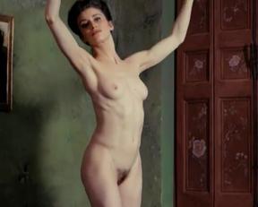 Amira Casar - Artistic Plot In 'Ich Und Kaminski' - Film nackt