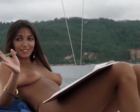 Carole Davis - Piranha II: The Spawning - Film nackt
