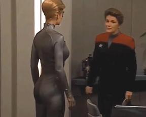 Jeri Ryan sexy - Star Trek Voyager