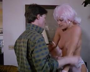 Delia Sheppard's Tits In Sexbomb - Film nackt